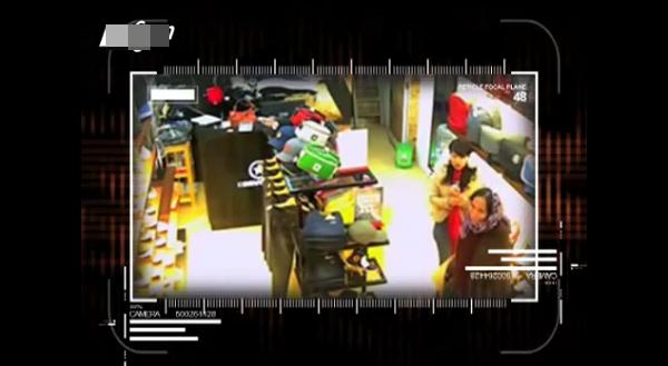 Việt Nam: Clip 2 cụ bà nhanh tay ăn trộm đồ 2