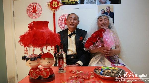 2 cụ ông Trung Quốc đã tổ chức đám cưới 3