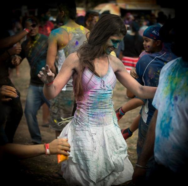 Lễ hội Holi rực rỡ sắc màu ở Ấn Độ 3