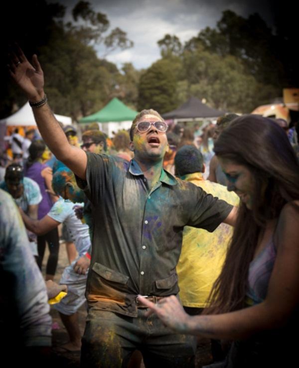Lễ hội Holi rực rỡ sắc màu ở Ấn Độ 4