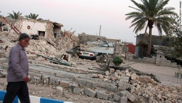 Động đất rung chuyển, 32 người chết, 850 người bị thương 2