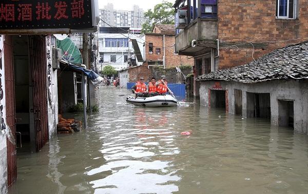 Mưa bão, ít nhất 55 người thiệt mạng 1
