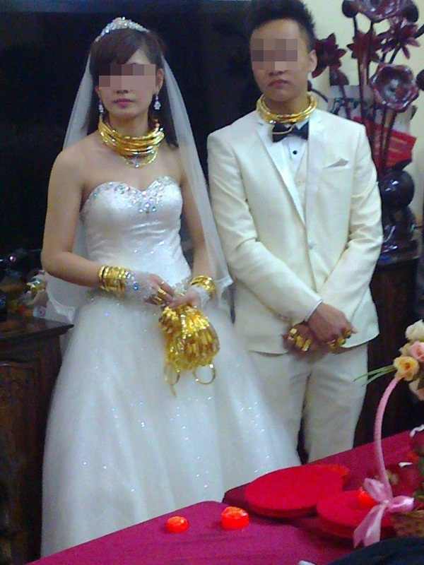 Cô dâu chú rể đeo đầy vàng trong đám cưới khủng ở Lạng Sơn 4