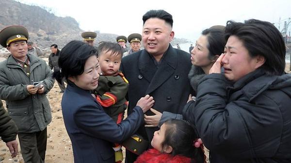 Triều Tiên: Cứ gặp lãnh tụ là người dân lại khóc như mưa 2