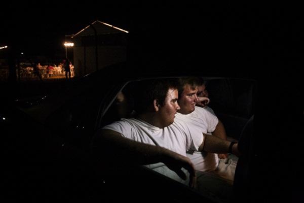 Bộ ảnh sinh động về cuộc sống của anh em sinh ba mắc chứng tự kỷ 9