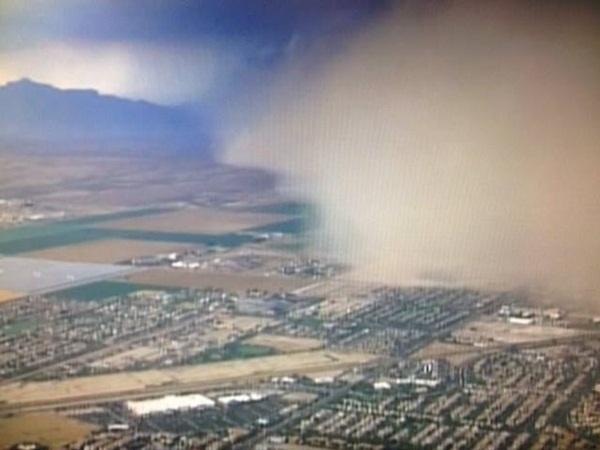 Bão cát cao ngất nhấn chìm Arizona 2