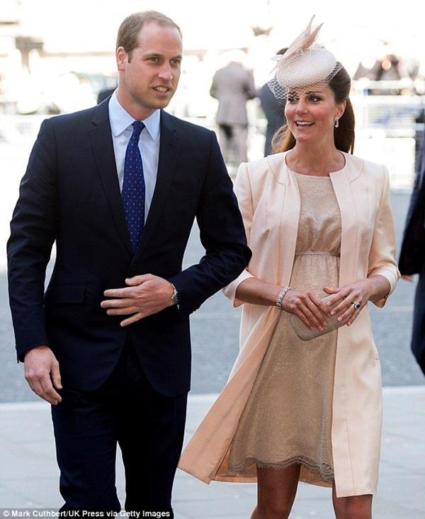 Cả nước Anh nín thở chờ em bé Hoàng gia 1