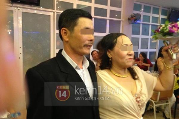 Lộ diện hình ảnh đầy đủ trong đám cưới vợ 63, chồng 38 gây xôn xao 7