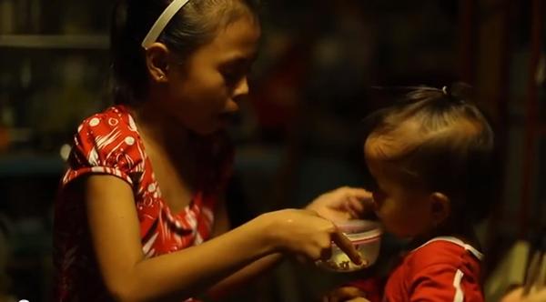 Cay mắt với đoạn phim ngắn về Trung thu của cô bé nghèo 2