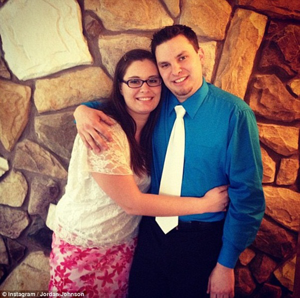 Hối hận vì kết hôn, cô gái đẩy chồng mới cưới xuống vách núi 1