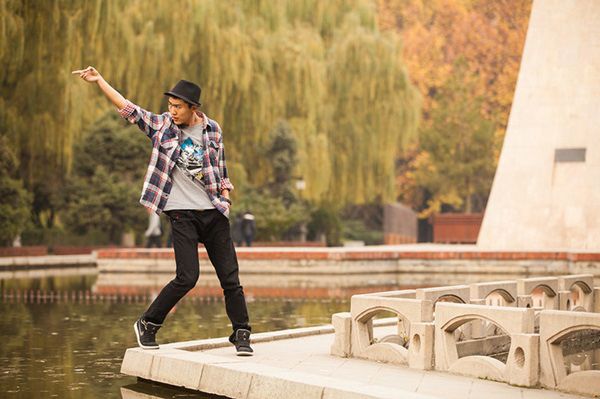 """Thú vị bộ ảnh """"Vũ điệu sân trường"""" của sinh viên Trung Quốc 31"""
