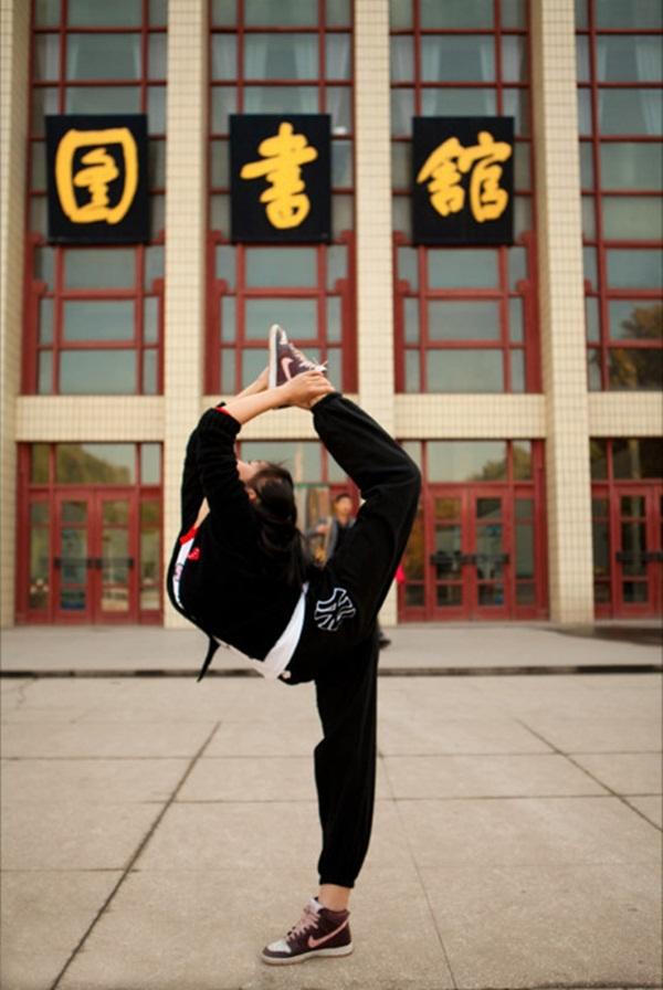 """Thú vị bộ ảnh """"Vũ điệu sân trường"""" của sinh viên Trung Quốc 33"""