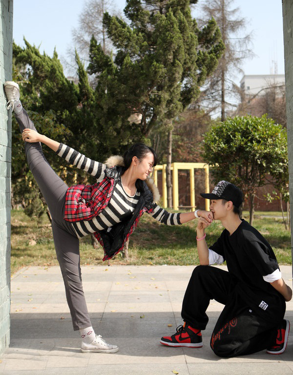 """Thú vị bộ ảnh """"Vũ điệu sân trường"""" của sinh viên Trung Quốc 9"""