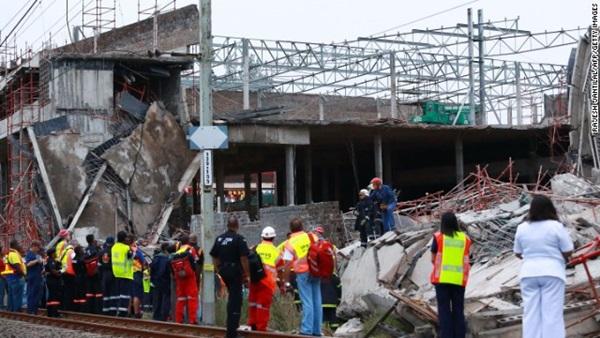 Sập công trình xây dựng trung tâm thương mại, 40 người bị chôn vùi trong đống đổ nát 3