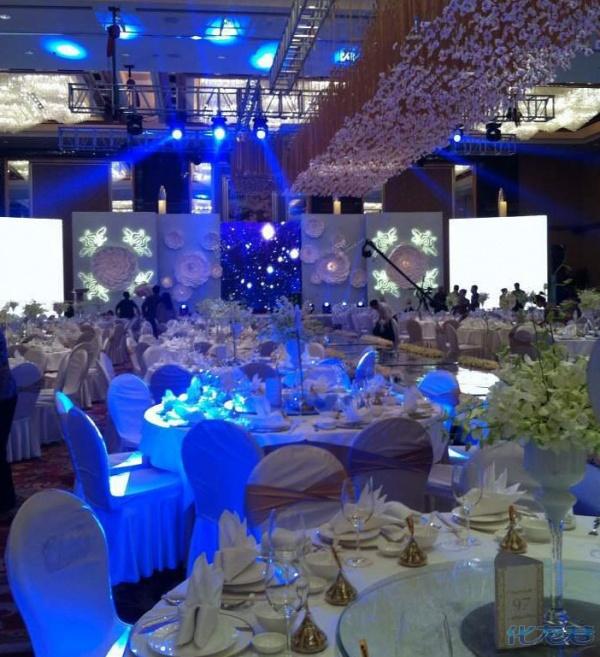 Đại gia tặng iPhone 5s cho quan khách đến dự đám cưới 5