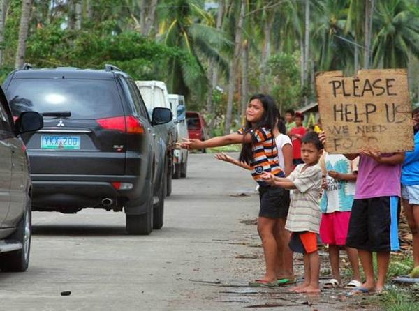 Nhìn lại những hình ảnh không thể nào quên trong siêu bão Haiyan 23