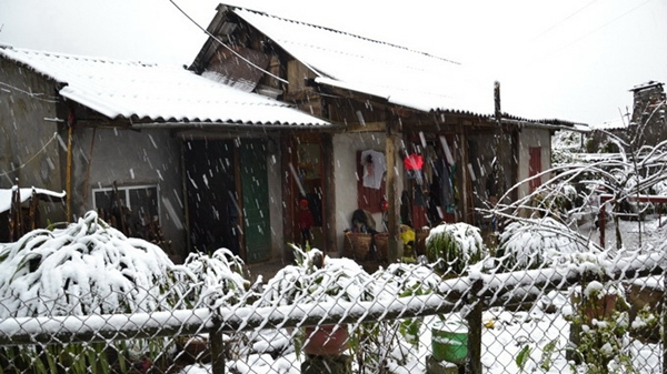 Miền Bắc tiếp tục rét đậm, tuyết ngừng rơi ở Sa Pa  1