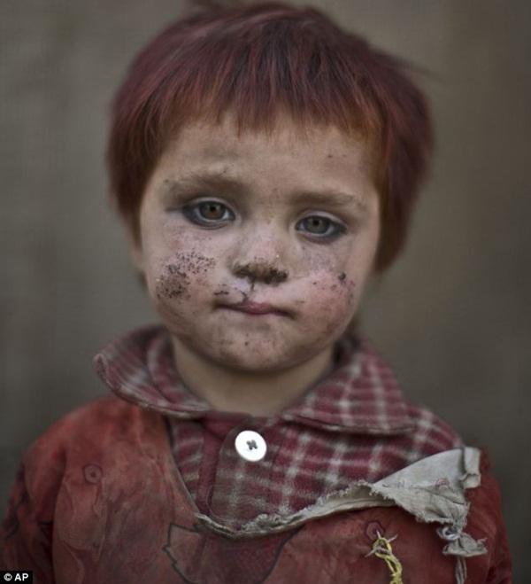 Gương mặt lấm lem của những đứa trẻ tha hương 5