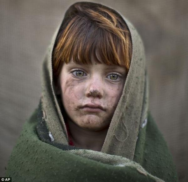 Gương mặt lấm lem của những đứa trẻ tha hương 9