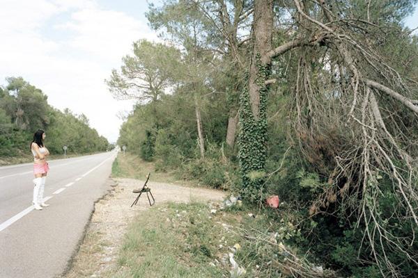 """Bộ ảnh chân thực về """"gái đứng đường"""" ở Tây Ban Nha 27"""