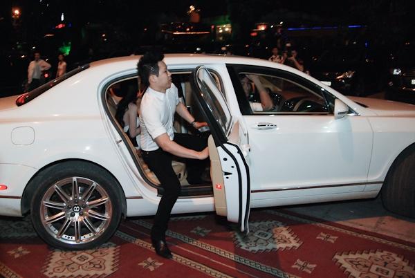 Tròn mắt trước dàn siêu xe rước dâu hoành tráng của đám cưới sao Việt 5