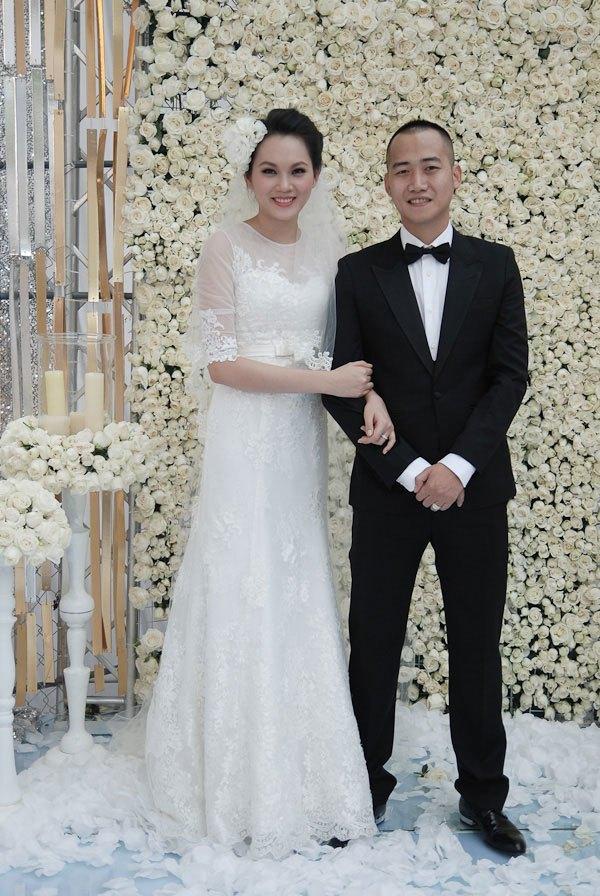 Tròn mắt trước dàn siêu xe rước dâu hoành tráng của đám cưới sao Việt 1