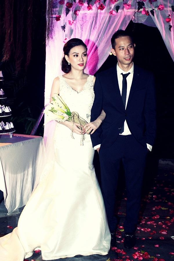 Tròn mắt trước dàn siêu xe rước dâu hoành tráng của đám cưới sao Việt 11