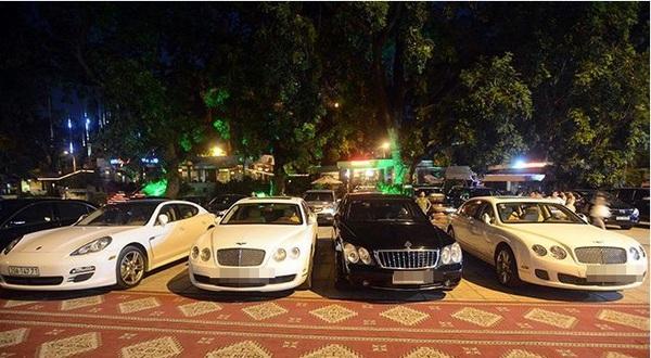 Tròn mắt trước dàn siêu xe rước dâu hoành tráng của đám cưới sao Việt 8