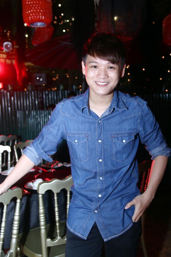 """Hà Hồ """"cực manly"""" trong tiệc mừng chiến thắng của Giang Hồng Ngọc 12"""