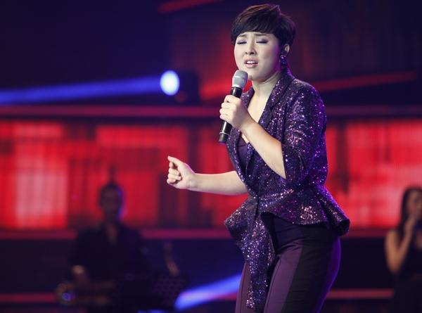 """Những sao nữ """"nặng ký"""" duyên dáng của showbiz Việt 17"""