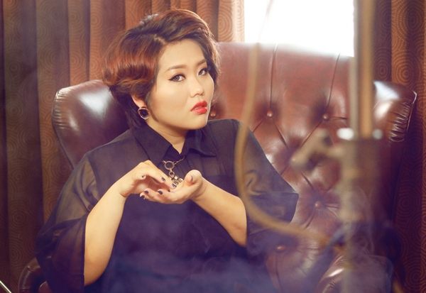 """Những sao nữ """"nặng ký"""" duyên dáng của showbiz Việt 16"""