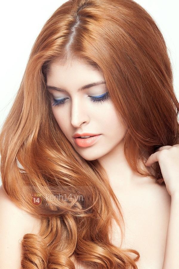 Make up với eyeliner xanh dương mát mẻ cho kì nghỉ trên biển 6