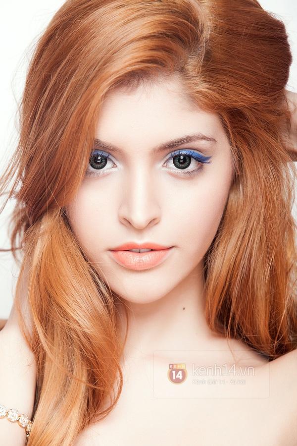 Make up với eyeliner xanh dương mát mẻ cho kì nghỉ trên biển 4