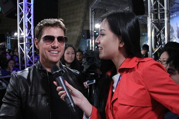 """Mai Phương Thúy """"liếc mắt đưa tình"""" với Tom Cruise 1"""