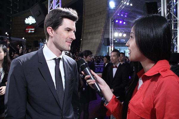 """Mai Phương Thúy """"liếc mắt đưa tình"""" với Tom Cruise 4"""