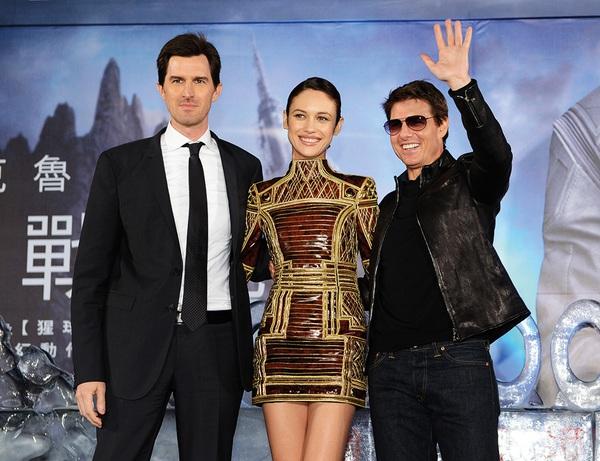 """Mai Phương Thúy """"liếc mắt đưa tình"""" với Tom Cruise 7"""