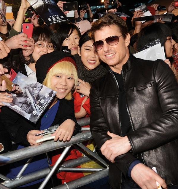 """Mai Phương Thúy """"liếc mắt đưa tình"""" với Tom Cruise 9"""