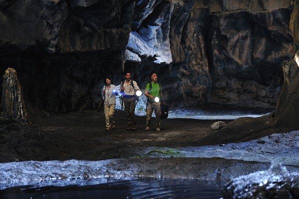 Tác phẩm điện ảnh nước ngoài kỳ lạ chỉ có lịch chiếu ở… Việt Nam 4