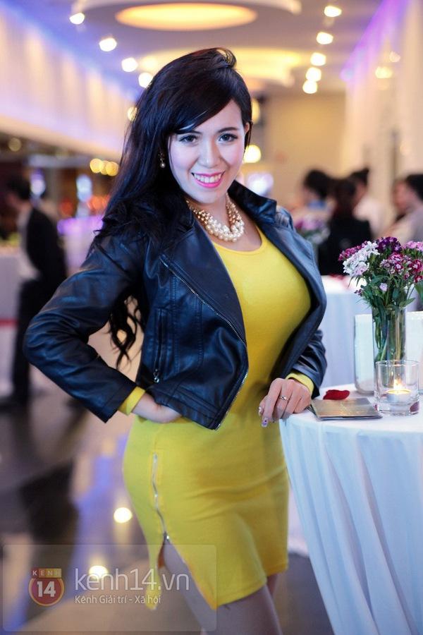 Hà Min chun mũi định hôn Chibi Hoàng Yến  11