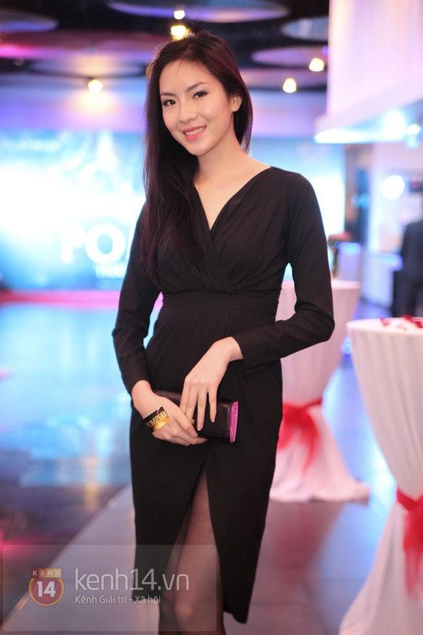 Hà Min chun mũi định hôn Chibi Hoàng Yến  13