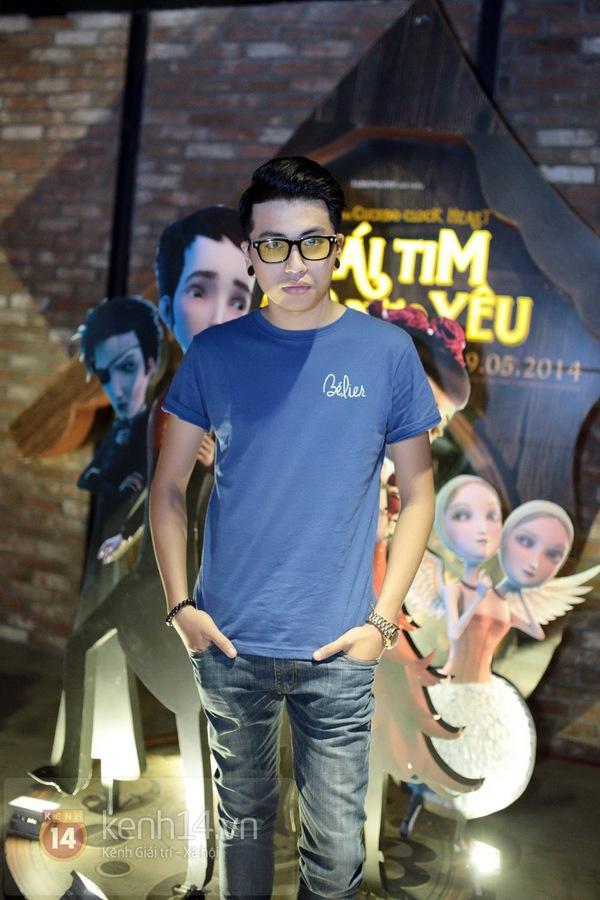 Hà Min mặc quần viền ren ngắn cũn dự họp báo phim 3