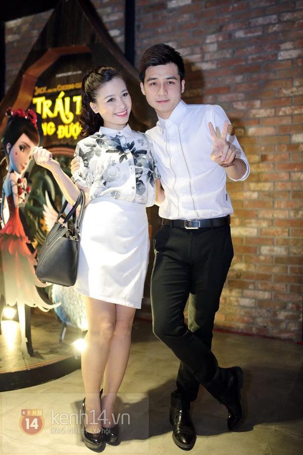 Hà Min mặc quần viền ren ngắn cũn dự họp báo phim 5