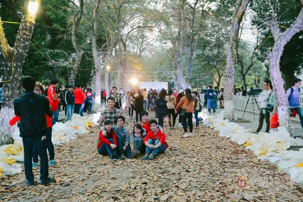 Teen Hà thành nhảy flashmob trên con đường tình yêu lãng mạn ở Hà Nội 2