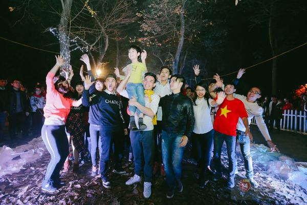Teen Hà thành nhảy flashmob trên con đường tình yêu lãng mạn ở Hà Nội 9