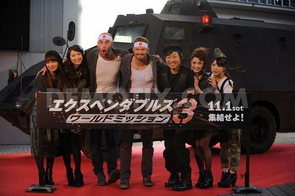 """""""Biệt đội đánh thuê 3"""" được fan nữ săn đón tại LHP Tokyo 1"""