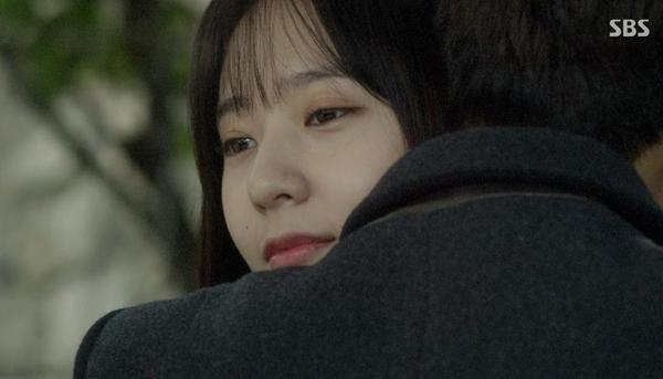 Se Na (Krystal) đau đớn vì bị người yêu lừa dối 4