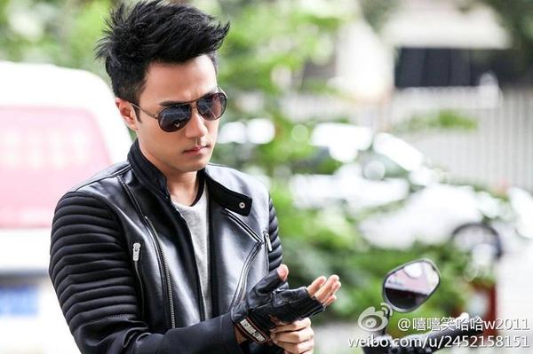"""Lưu Khải Uy bị mắng là """"tên lùn dê xồm"""" trong phim mới 3"""
