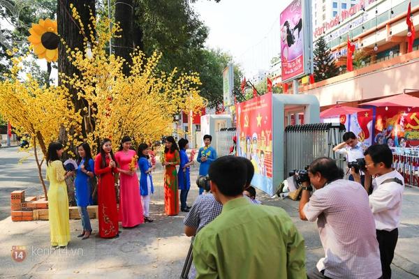 Chùm ảnh: Không khí Tết đã rộn ràng trên từng góc phố Sài Gòn 5