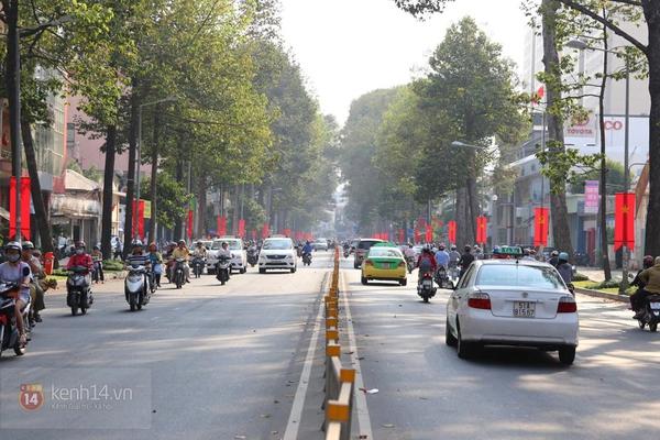 Chùm ảnh: Không khí Tết đã rộn ràng trên từng góc phố Sài Gòn 1