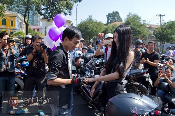 Màn cầu hôn bất ngờ của chàng trai trong hội Biker Sài Gòn 10